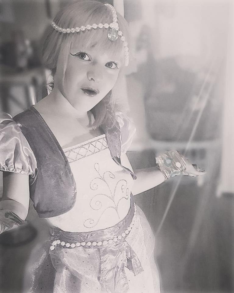 costume
